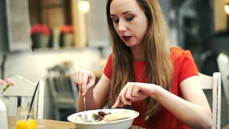Makan-makan di hari Lebaran dan tetap sehat