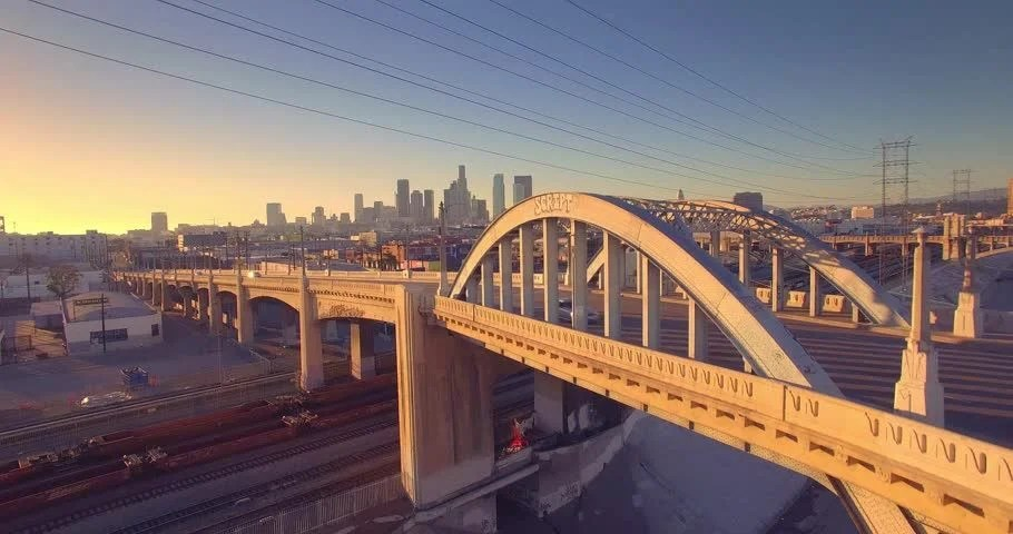 Sun Peeking Through Iconic 6th Street Bridge Arches At ...