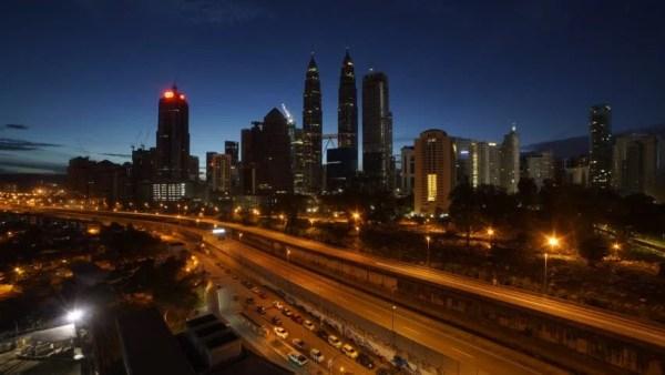 Time Lapse Of A Clear Sunrise In Kuala Lumpur, Malaysia ...