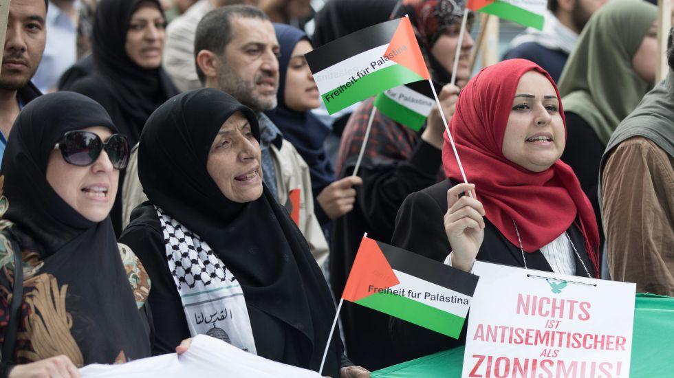 Im Namen Gottes gegen die Kinder Zions. Religiös motivierter Antisemitismus in Deutschland und seine Gründe.
