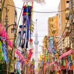 賑やかになった『下町七夕まつり』の飾り付けと東京スカイツリー