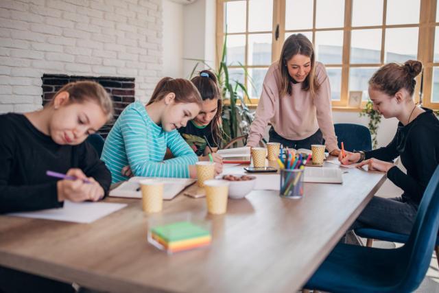 Jakie zalety ma nauka w małych grupach?