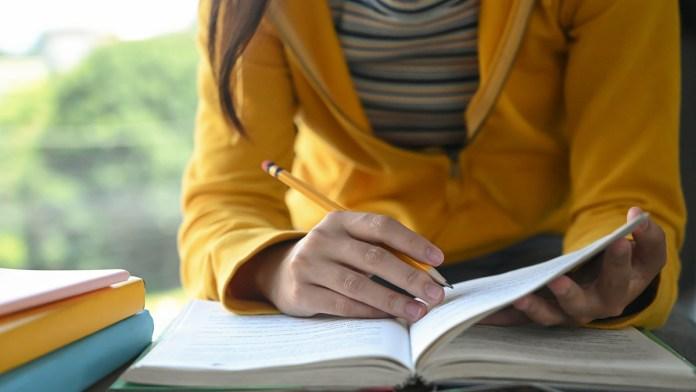 Sınava hazırlanmayı düşünüyorsanız, YDS'de hangi soru tiplerinin sorulduğunu detaylıca öğrenmelisiniz.