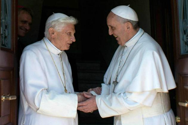 Umirovljeni-papa-Benedikt