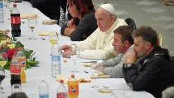 Pope's message for World Day of Poor: Prayer inseparable from solidarity with poor