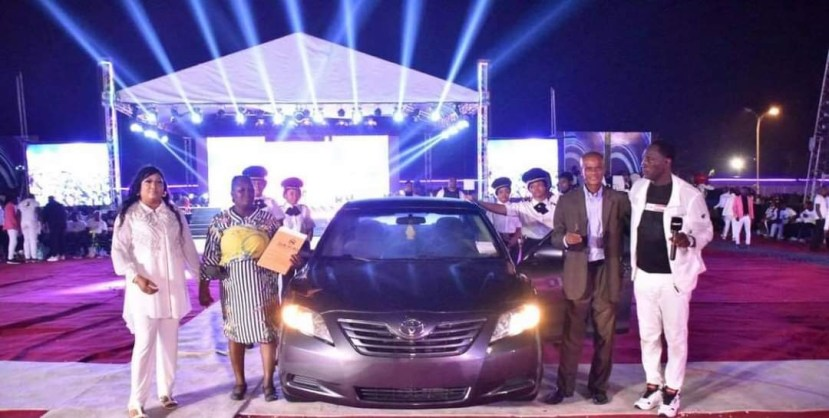 Prophet Fufeyin Gifts his old time pastor Friend from MFM a Car, 200k to change his wardrobe and one million naira for monthly stipends lindaikejisblog4