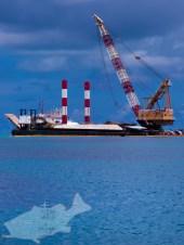 定期船の黒島航路整備のための浚渫船