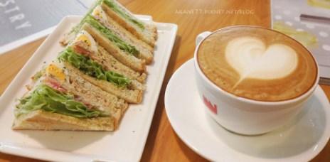 【台中西區】Cafe sora 低調的個性咖啡店