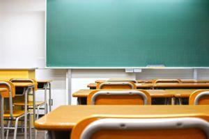 教卓、教室、学校、黒板
