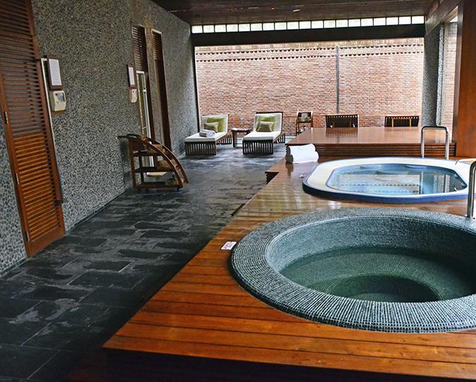 The Spa Getaway - Westin Sohna Resort & Spa - Jacuzzi