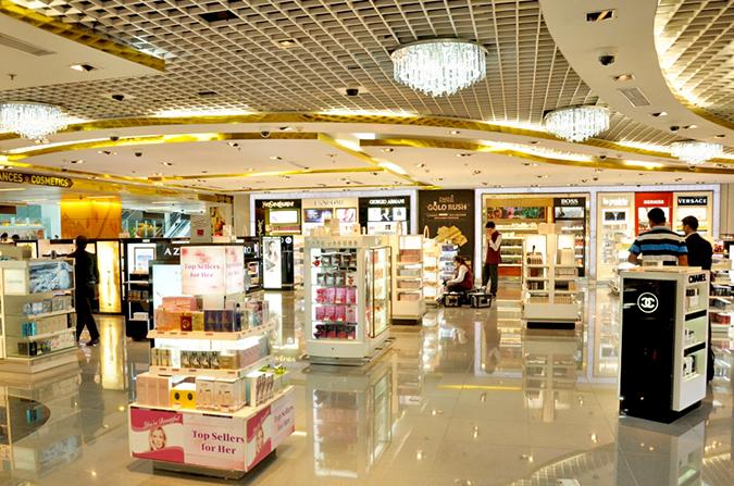 Delhi Duty Free - Perfumes Section