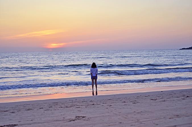 Agonda Beach | Goa | www.akanksharedhu.com | watching the sunset