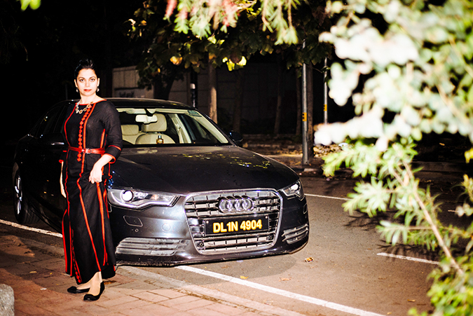 Uber - ing in Delhi | www.akanksharedhu.com | #RideInStyle | Naina in front of car