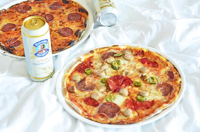 Weekend Getaway   Courtyard Marriott Gurgaon   pizza in room