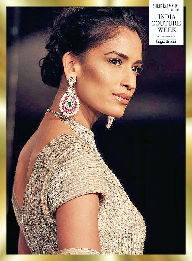 India Couture Week 2014 | Shree Raj Mahal Jewellers | ICW2014 | Emerald earrings