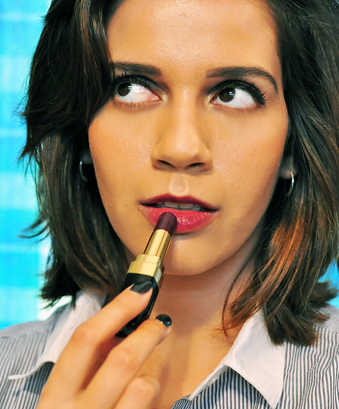 COLLECTION ÉTATS POÉTIQUES | Chanel | www.akanksharedhu.com | looking up putting lipstick