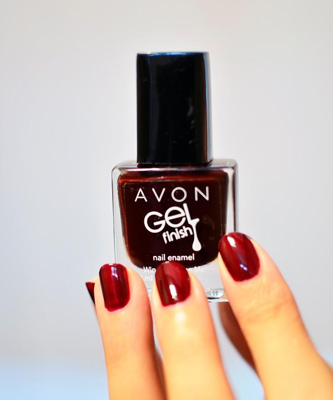Avon India | www.akanksharedhu.com | oxblood nailpaint in hand