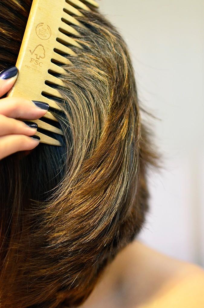 #ProofNotPromises | Pantene | www.akanksharedhu.com | hair close up comb