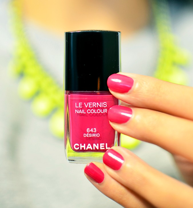 Collection Rêverie Parisienne | Chanel | Akanksha Redhu | nails with paint bottle