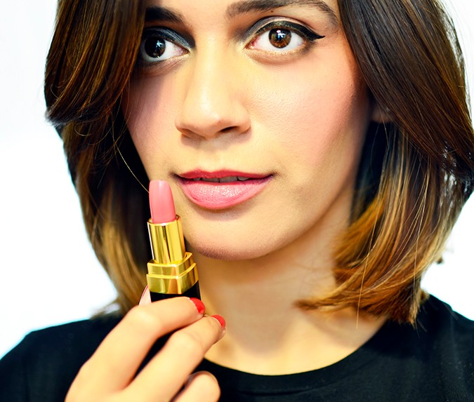 Rouge Coco Lipstick | Chanel | Akanksha Redhu | 424 Edith on lips