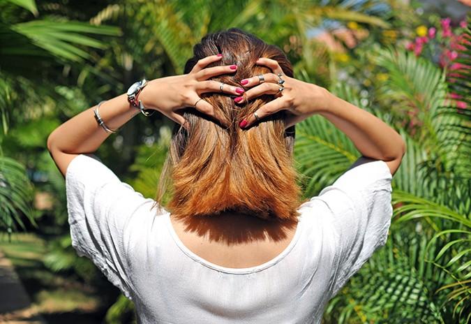 Feel Good Hair | Pantene | Akanksha Redhu | fingers in hair wide