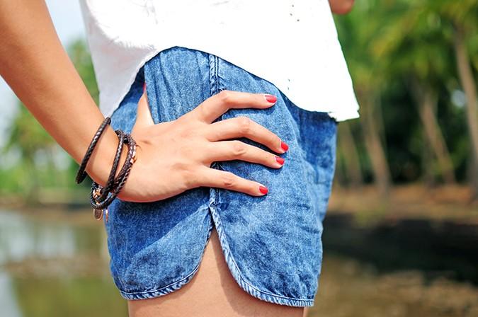 Blanc Frais | Goa | Akanksha Redhu | nails on shorts