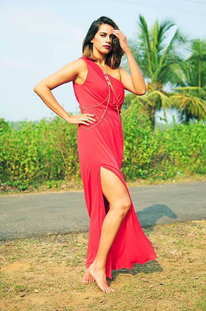 Coral Streets | BCBGMAXAZRIA | Akanksha Redhu | full side leg out