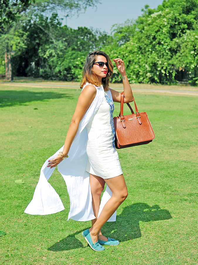 #SundayLiving | AND | Akanksha Redhu | Full side  long dress flying