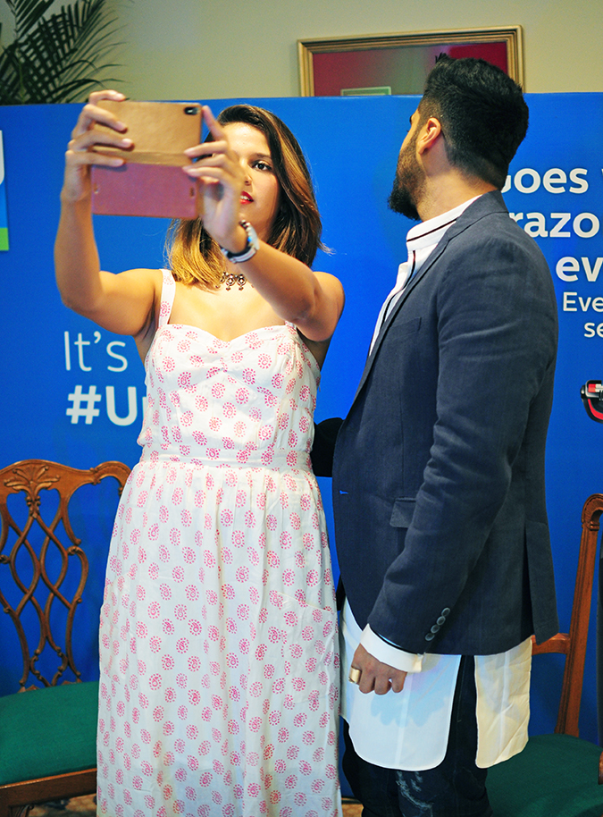 Philips Bodygroomers Launch with Arjun Kapoor | Akanksha Redhu | taking selfie color