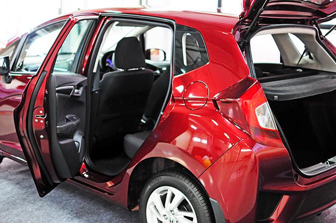 #AllNewJazz | Honda | Akanksha Redhu | doors open car