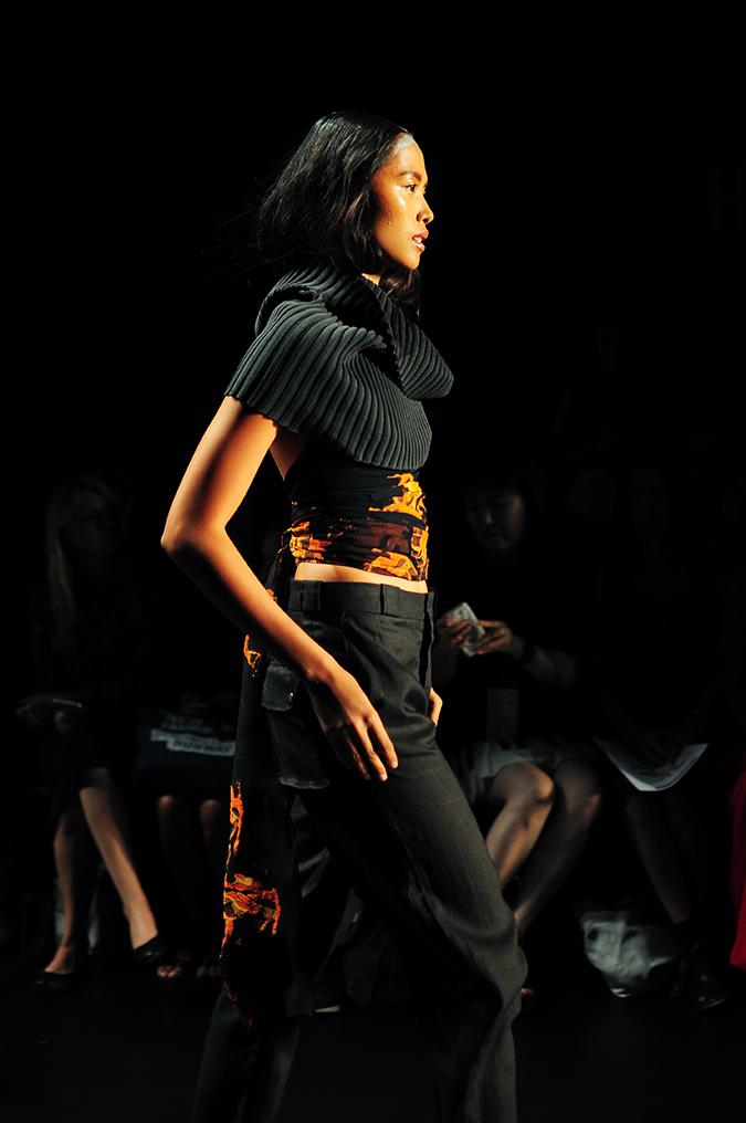 Francesca Liberatore | NYFW | #RedhuxNYC | black scarf side
