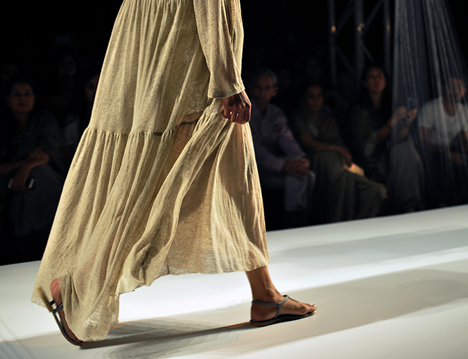 Anavila Misra | #AIFWSS16 | 10 dress bottom