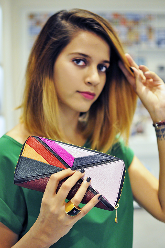 Holiday Season with Fossil | Akanksha Redhu | holding clutch