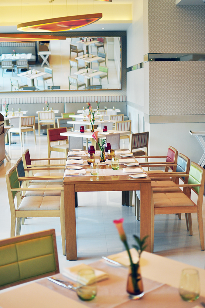 Pluck Restaurant - Pullman New Delhi | Akanksha Redhu | interiors long