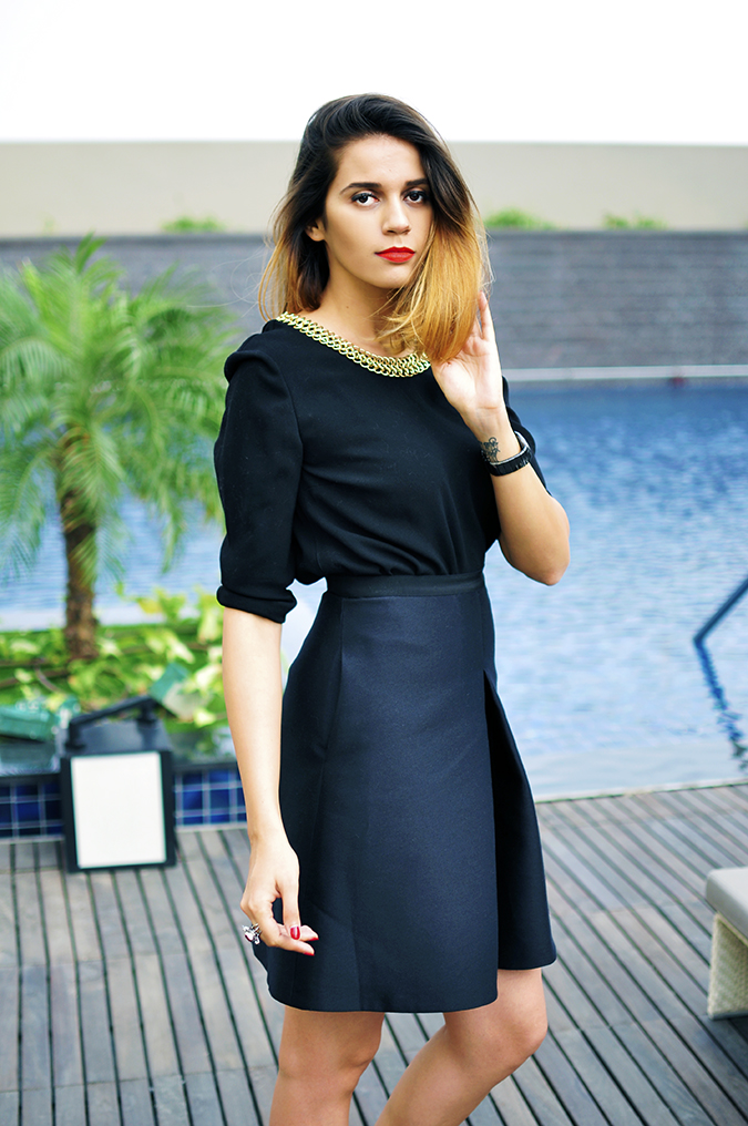 Burberry Festive | Akanksha Redhu | all black poolside