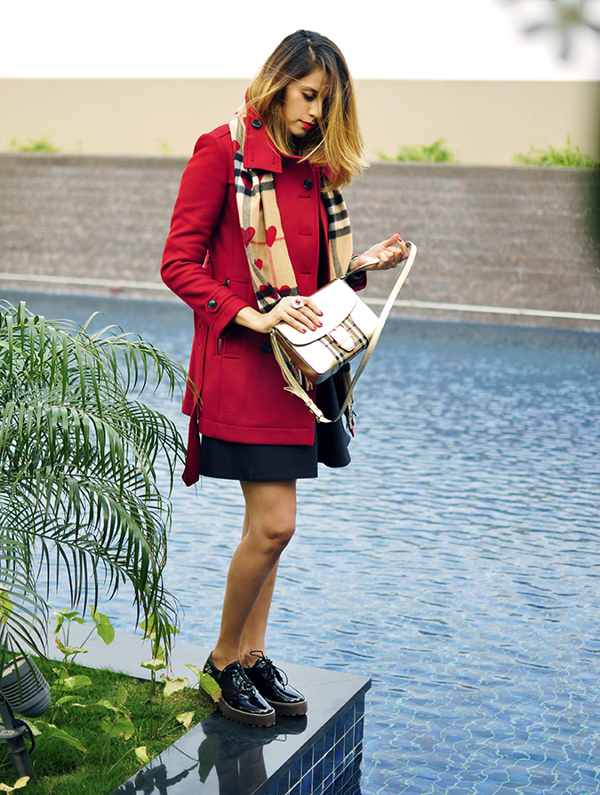 Burberry Festive | Akanksha Redhu | full side pool edge