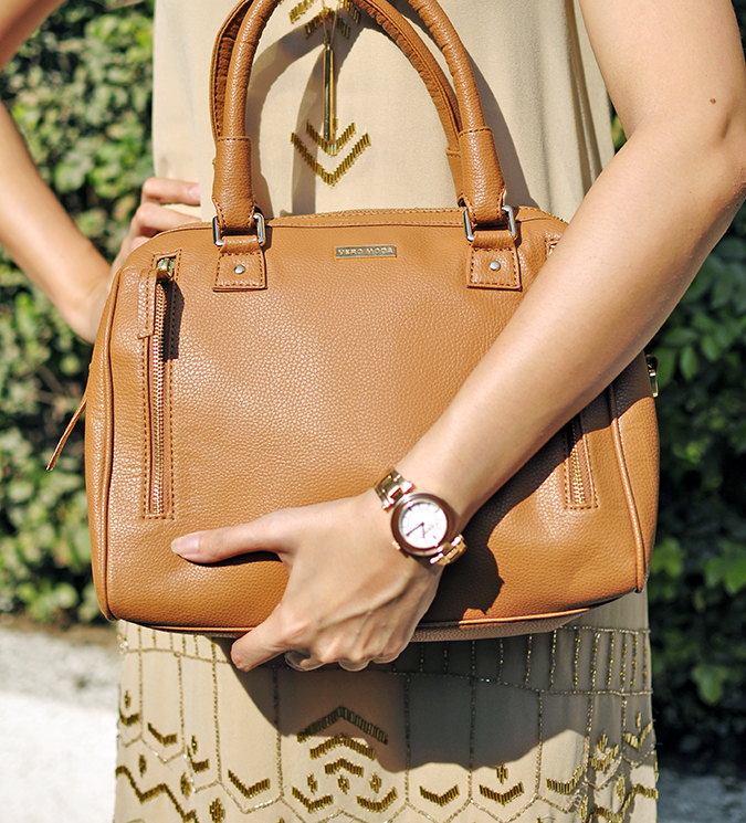 Vero Moda Marquee | Akanksha Redhu | bottom front holding bag