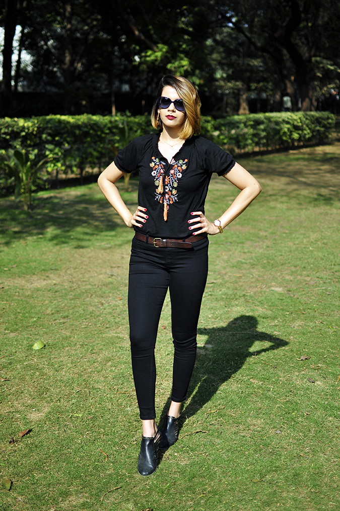City Black | Sbuys | Akanksha Redhu | full front arms onw aist