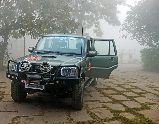 Akanksha Redhu | Travel India | car in fog