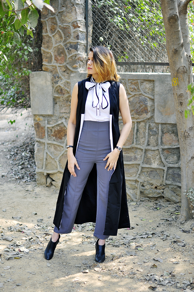 Kaaryah | Akanksha Redhu | full front looking sideways