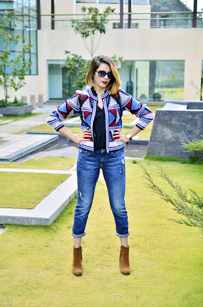 Riff - Raff | Look of the Day | Akanksha Redhu | full front legs apart