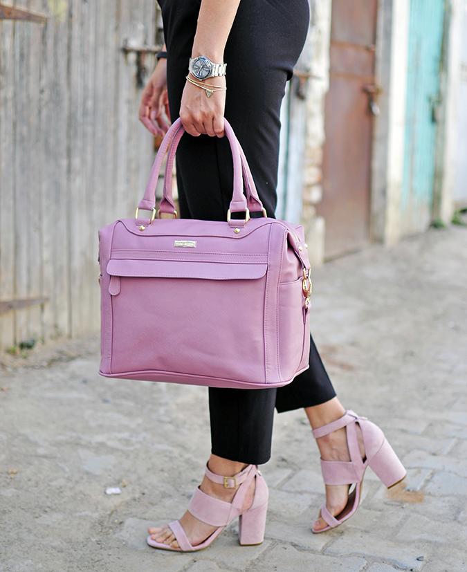 Formal Florals | Vero Moda | Akanksha Redhu | bottom half side bag
