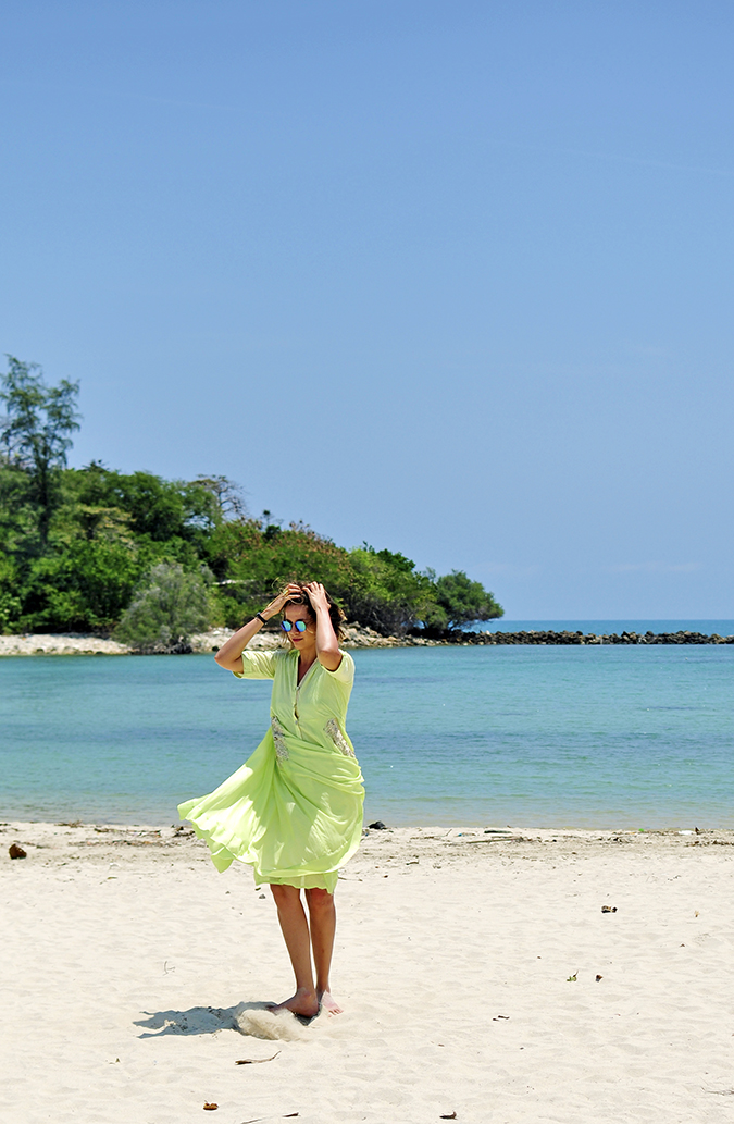 Chichouse | Choeng Mon Beach | Koh Samui | Akanksha Redhu | twirl both arms up far long