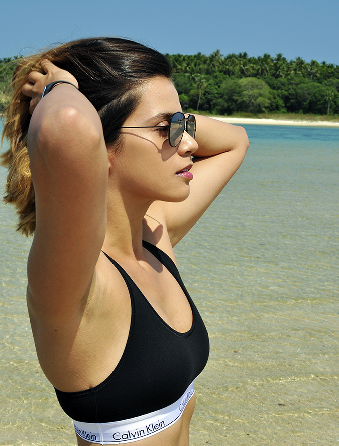 #mycalvins | Koh Samui | Akanksha Redhu | half side sports bra arms raised