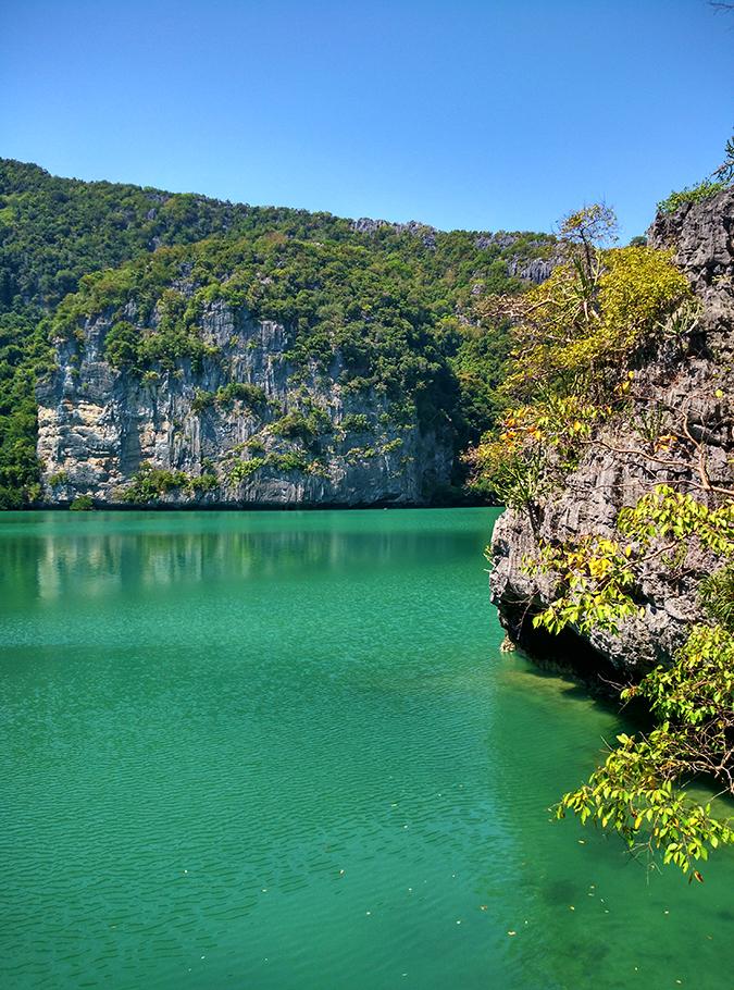 Ang Thong National Marine Park | Akanksha Redhu | emerald lake from base