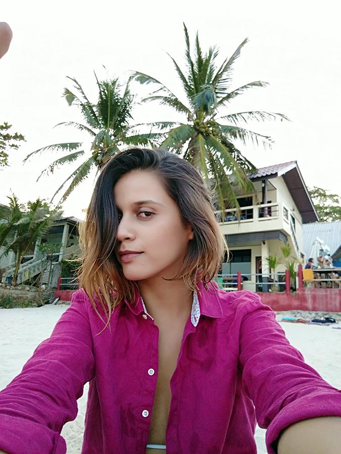 Koh Samui | Akanksha Redhu | sitting beach selfie