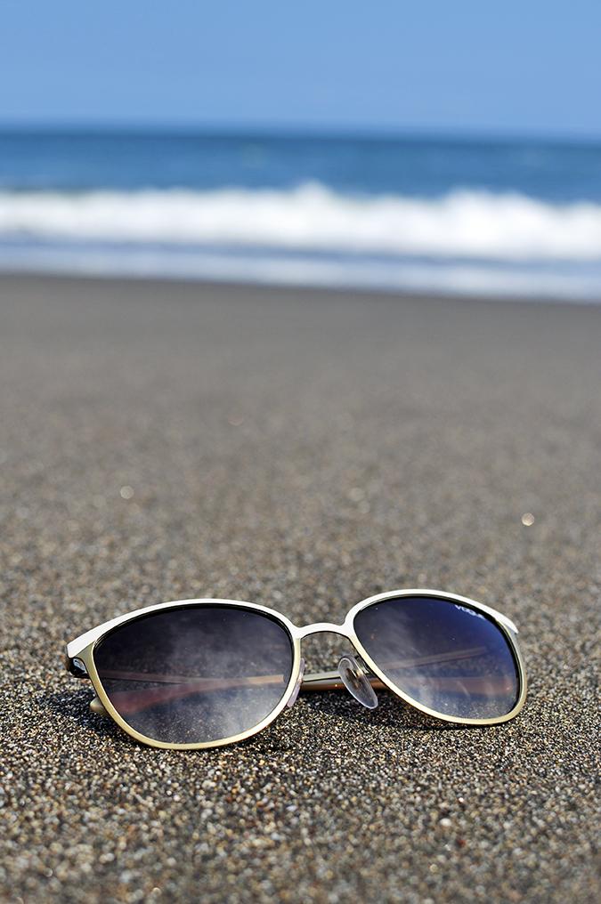 Soka Beach Bali | Akanksha Redhu | sunglasses on balian sand