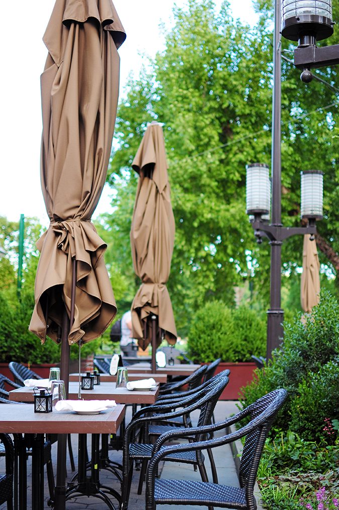 Tavern on the Green - Central Park | NYC | Akanksha Redhu | shut umbrellas