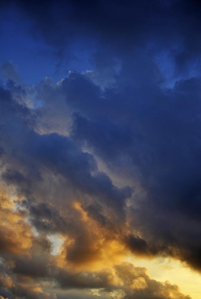 Pantai Melasti   Bali   Akanksha Redhu   clouds on fire