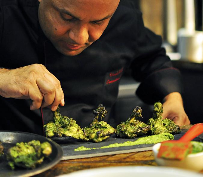 JW Marriott |Chef Vivek Bhatt | Akanksha Redhu | chef plating murg close up